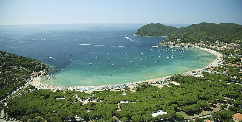 Marina di Campo and its beaches