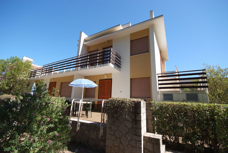 VILLA x 6/8 persons with air conditioner